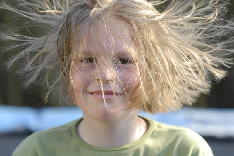 Statisch aufgeladene Haare sind sehr nervig.