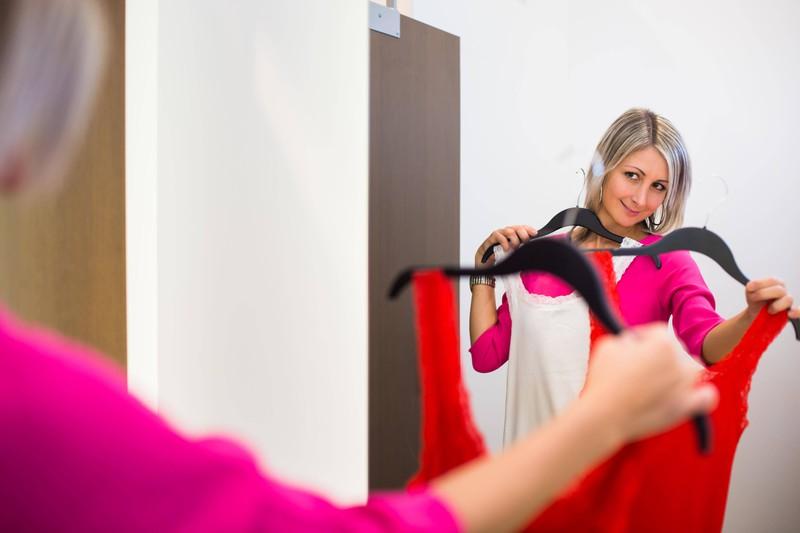 Der Spiegel in den Umkleidekabinen sorgt dafür, dass viele Frauen sich dicker fühlen
