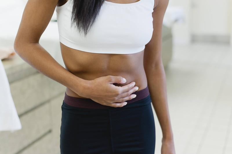 Magnesium kann den PMS-Symptom mildern.
