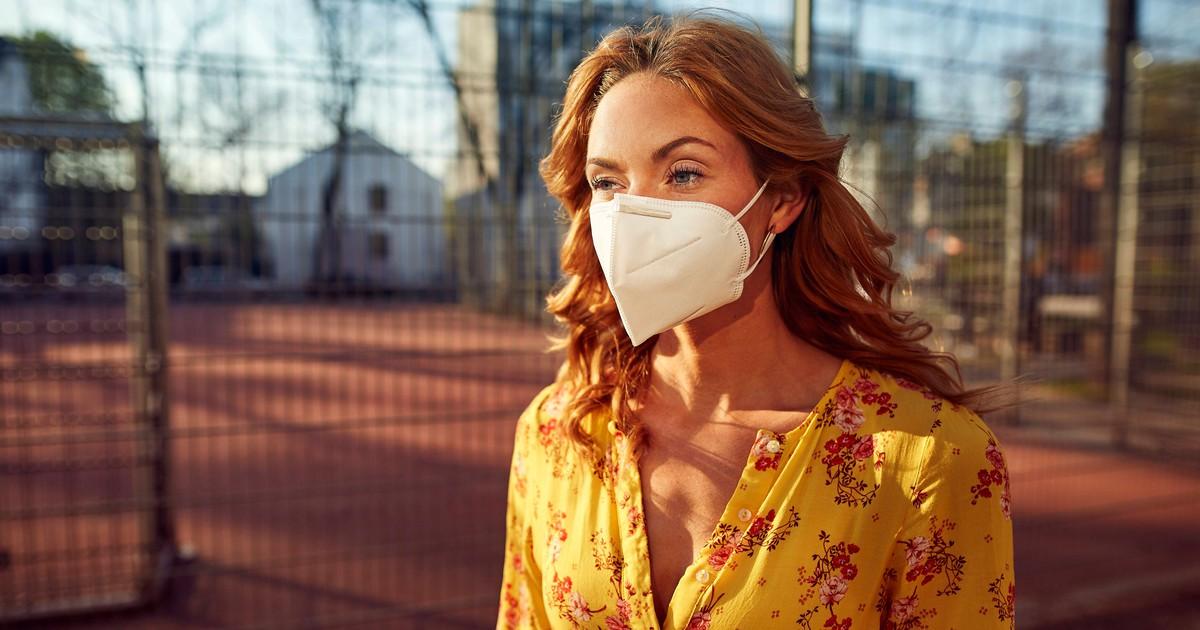 7 Dinge, die du mit deiner FFP2-Maske auf keinen Fall tun solltest