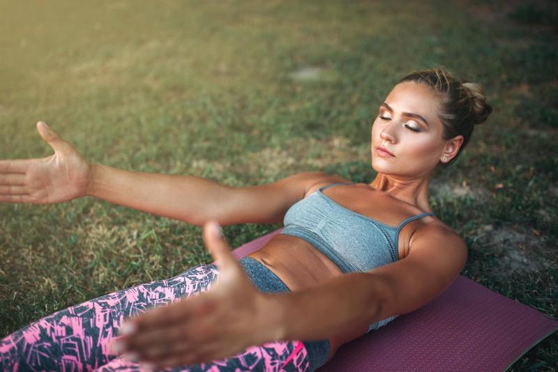 Wenn du aber noch Sport machst, kannst du deine Körper mit Muskeln definieren.