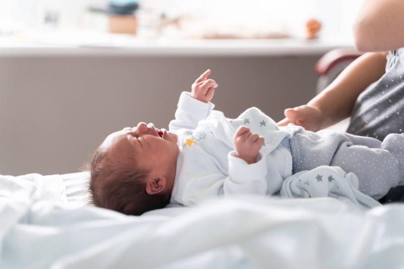 Ein Baby schläft in den seltensten Fällen durch.