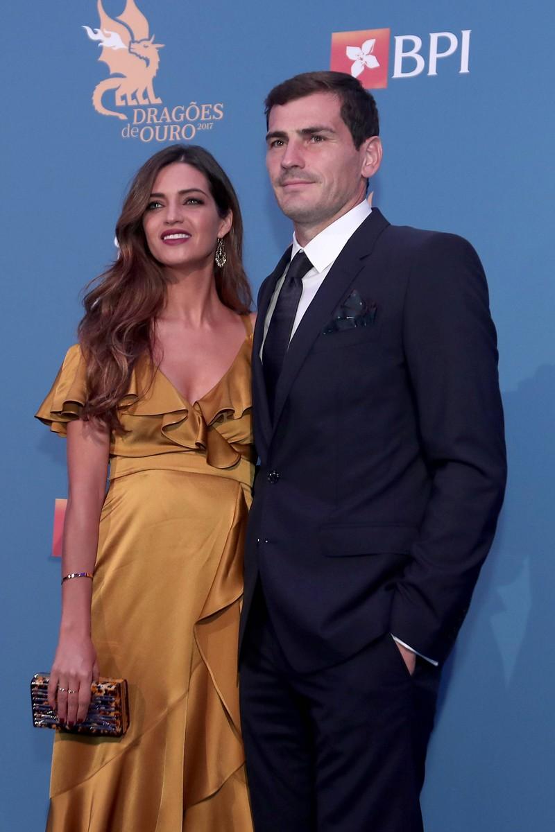 Der spanische Torwart Iker Casillas war lange mit TV-Moderatorin Sara Carbonero zusammen. Doch dann folgte 12 Jahre später die Trennung