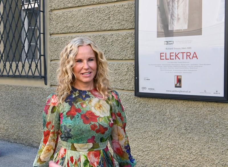 Katja Burkhardt ist eine bekannte deutsche Moderatorin.